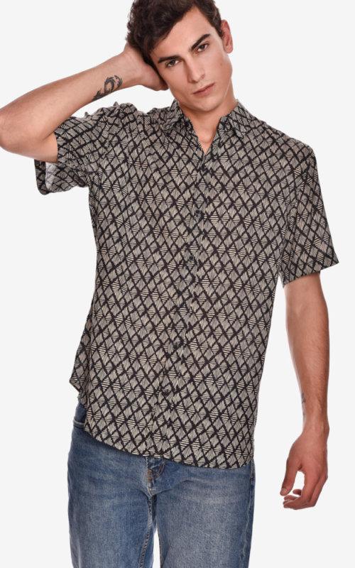 camisa-manga-corta-estampado-rock-rumbo