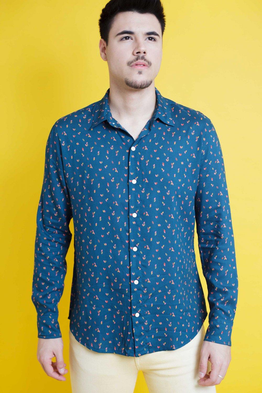 La Camisa Jardín es de manga larga y corte recto. Tejido fluido, de tacto suave y fácil planchado. Más Masala