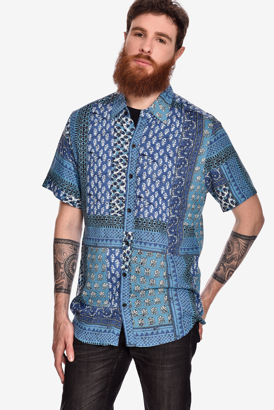 camisa-manga-corta-estampado-rock-pachwork-azul