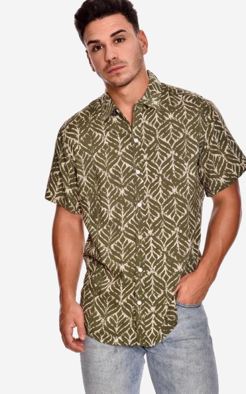 camisa-manga-corta-estampado-rock-selva