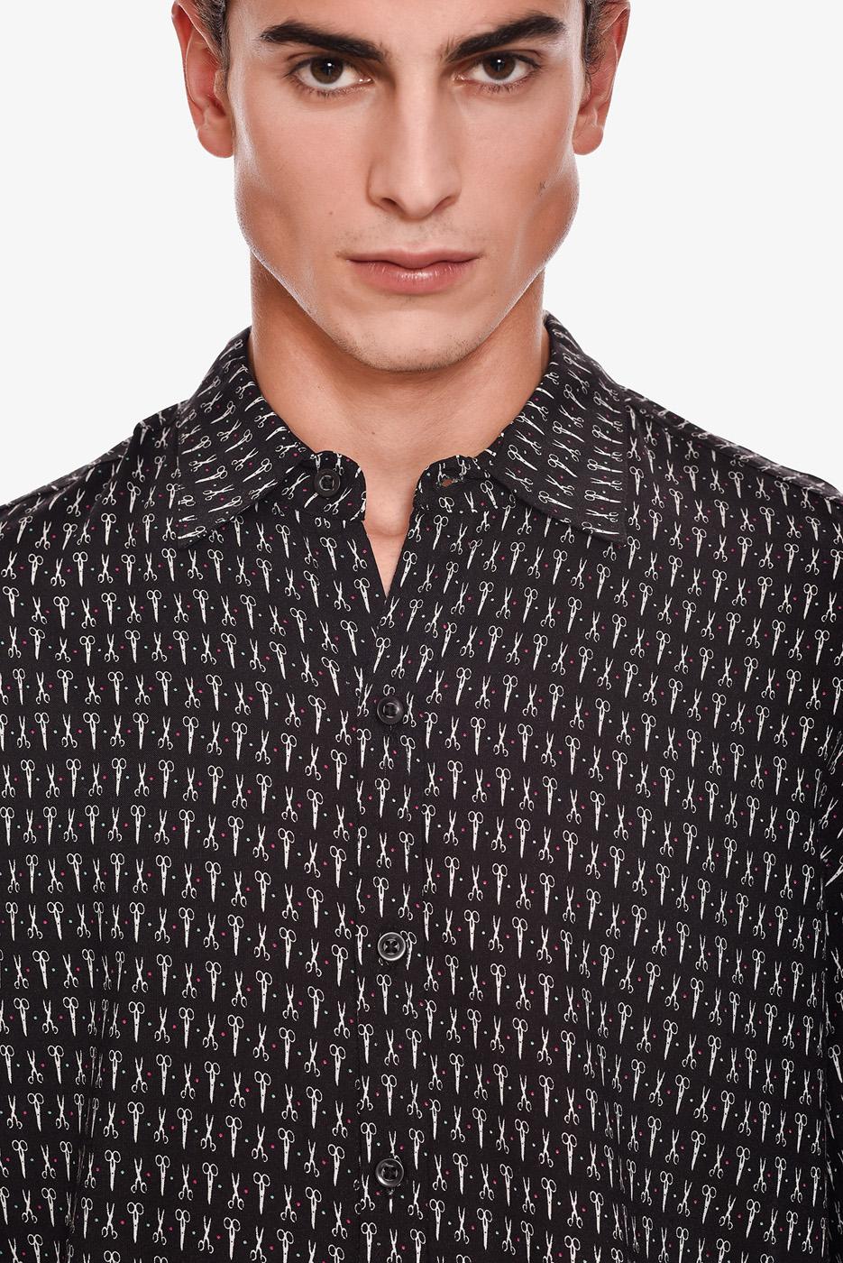 camisa-manga-corta-estampado-rock-tijera
